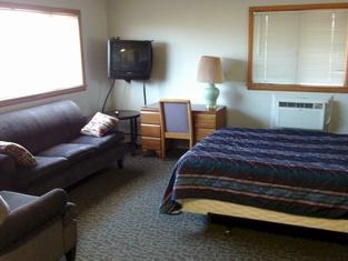 2nd Street Inn & Suites