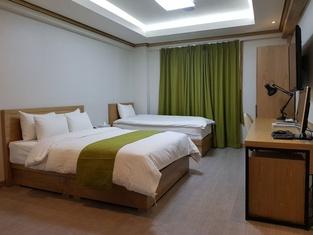 Business Y Hotel