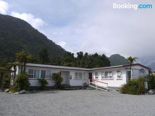 Central Franz Josef Cabins and Flats