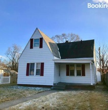Sorin House - 1.7 mi From Notre Dame, 7 min Drive