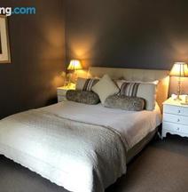 Luxury Room 15mins From Wagga's CBD