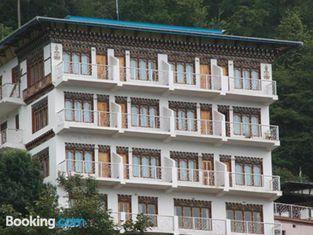 Tashi Ninjey Hotel