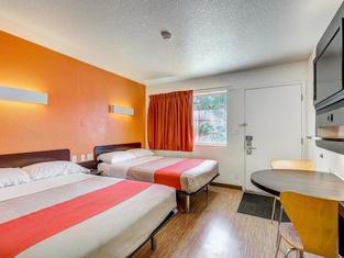 Motel 6-Thornton, CO - Denver