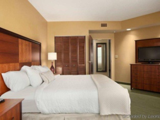 Embassy Suites By Hilton East Peoria Riverfront Hotel & Conference Center