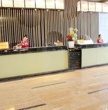 Ruiyang Crown Hotel
