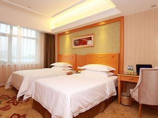 Vienna International Hotel (Wuhan Jiefang Avenue Baofeng Road)