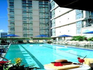 Omni Los Angeles Hotel California Plaza