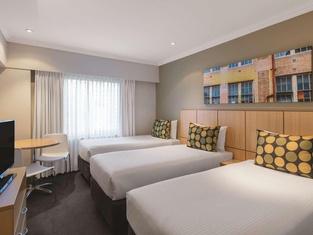 Travelodge Sydney Hotel