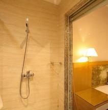 Yinggehai Holidays Hotel