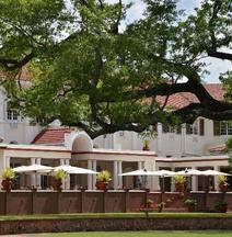 The Victoria Falls Hotel