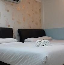 OYO 1031 Aj Suite Hotel