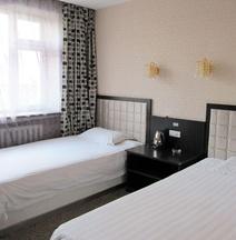 Renhe Express Hotel