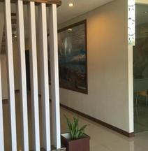 RedDoorz @ Budget Hotel Ambon