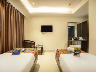 FabHotel Prowell Crown