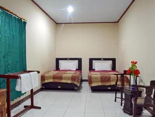 Ratna Indah Hotel