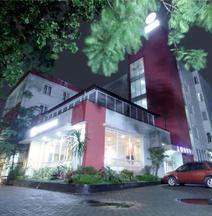 โรงแรมโอโย 226 แอลเจ