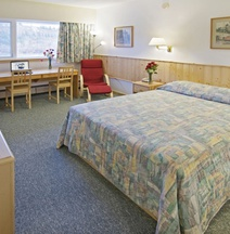 Canadas Best Value Inn-Whitehorse