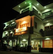 โรงแรมซิลเวีย เมาเมเร
