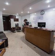 Oyo Uniclass Hotel Centro
