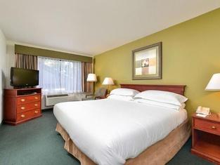 Hawthorn Suites Sacramento