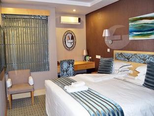 Aquarian Tide Hotel