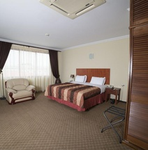 Elegance Hotel & Casino N.V.
