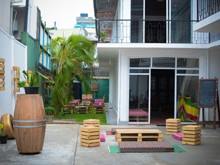 Groove House Hostels