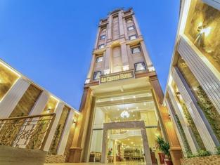 Le Centre Hotel