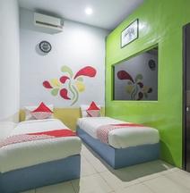 OYO 500 Nilam Residence