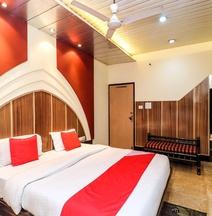 OYO 18474 Hotel Sukh Sagar