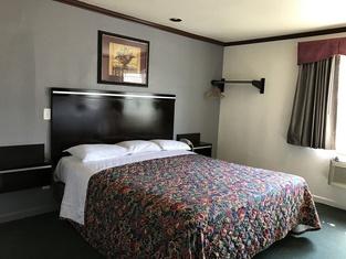 Starlight Inn Canoga Park