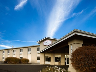 Ten Pin Inn & Suites