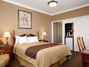 Spokane Club Inn
