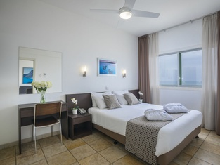 コスタンティアナ ビーチ ホテル アパートメンツ