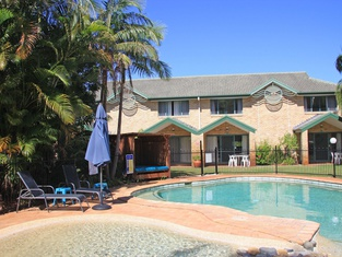 Aqua Villa Holiday Apartments