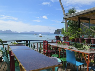 Islandfront Cottages and Restaurant Palawan