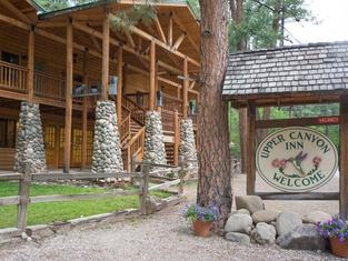 Upper Canyon Inn & Cabins