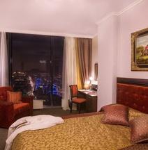 Апартаменты в Отеле «Высоцкий»