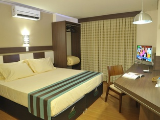 Hotel Maestro Premium Cascavel