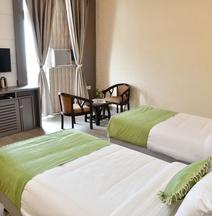 Hotel Jataka Inn