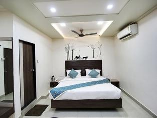 Hotel Daksh