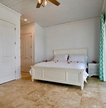 Fountain Bay Resort & Marina