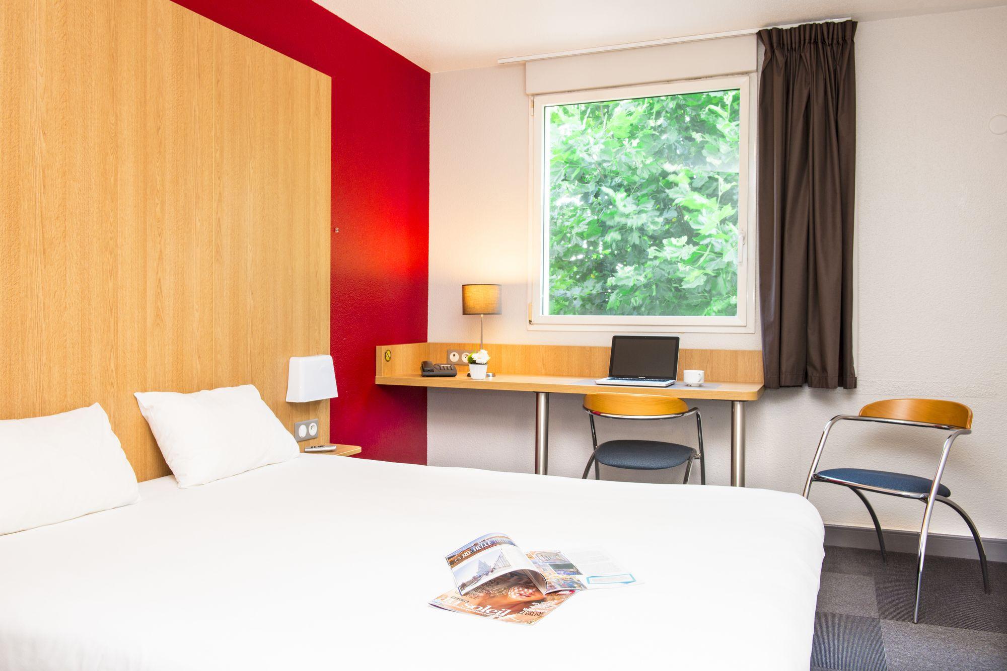 b b hotel la rochelle centre la rochelle hotels skyscanner. Black Bedroom Furniture Sets. Home Design Ideas