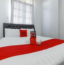 RedDoorz Plus Near Batam City Square