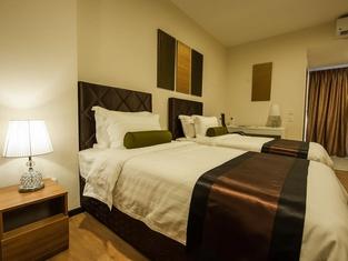 Aman Hills Hotel