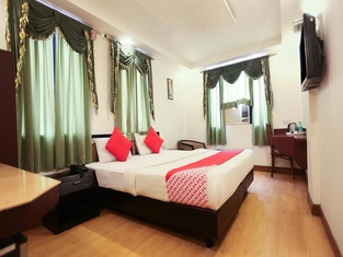 OYO 1195 Hotel Suncity International