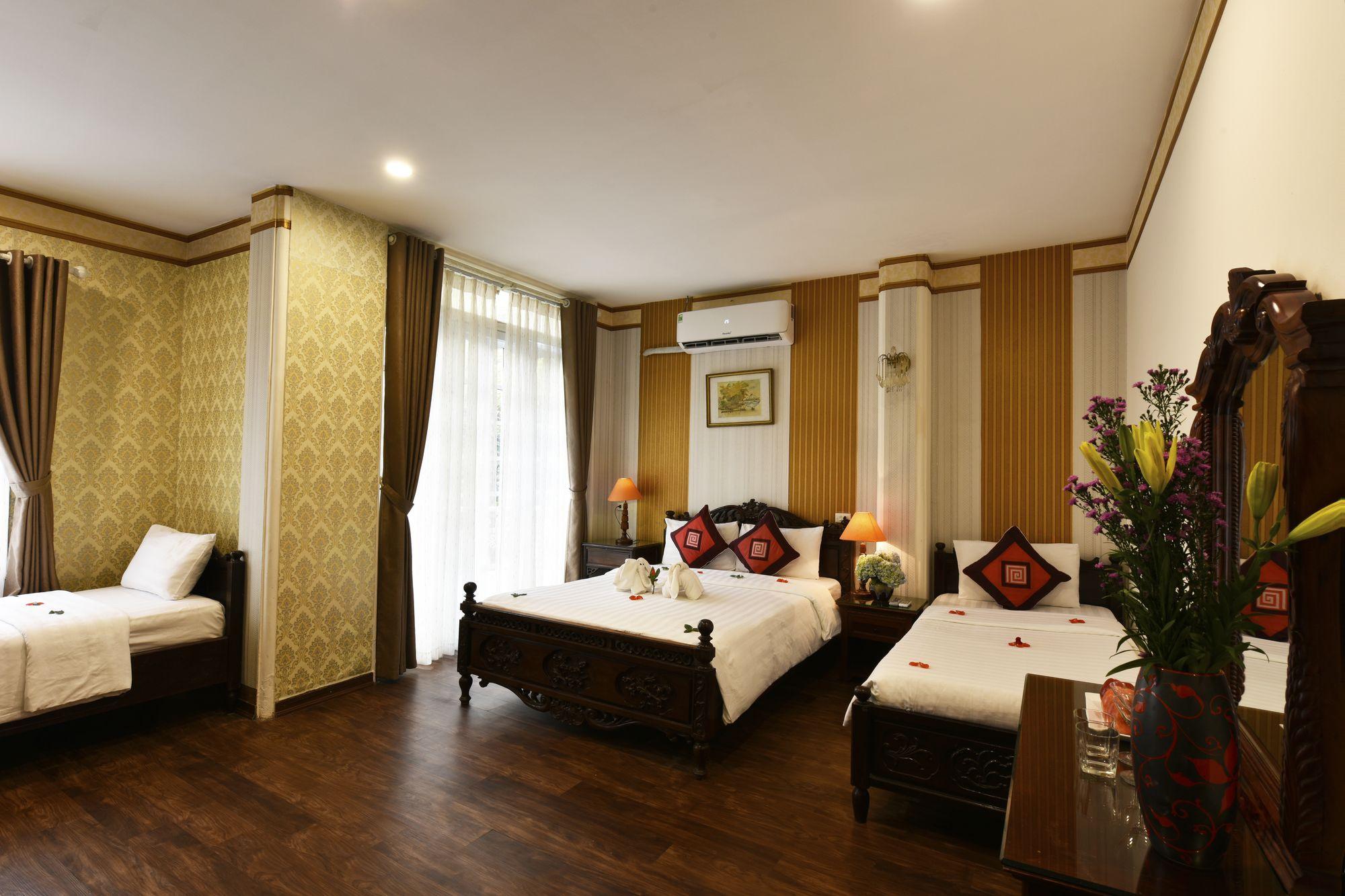 Khách sạn Hoàng tử 1