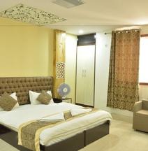FabHotel Banaras Darbar