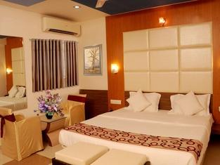 Silver Sand Hotel
