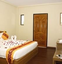 Gold Hein Hotel